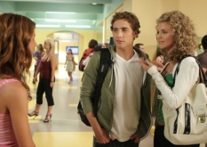 Shenae Grimes, Dustin Milligan & AnnaLynne McCord in 90210 - Photo Credit: The CW
