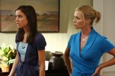 Jessica Stroup & Jennie Garth in 90210 - Photo: Justin Lubin/The CW