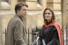 "Andrew Buchan & Emily Deschanel in ""Yanks in the U.K., Part 1 & 2\"" - Cr: Jay Maidment/FOX"