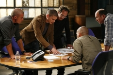 "PRISON BREAK: The gang is back on the two-hour Season Four premiere episode of PRISON BREAK (""Scylla/Breaking and Entering\"")  airing Monday, Sept. 1 (8:00-10:00 PM ET/PT) on FOX. Pictured L-R: Dominic Purcell, Wentworth Miller, William Fichtner, Amaury Nolasco and Wade Williams. ©2008 Fox Broadcasting Co. Cr: Greg Gayne/FOX"