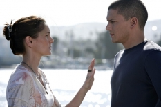 "PRISON BREAK: Michael (Wentworth Miller, R) and Sara (Sarah Wayne Callies, L) reunite on the two-hour Season Four premiere episode of PRISON BREAK (""Scylla/Breaking and Entering\"") airing Monday, Sept. 1 (8:00-10:00 PM ET/PT) on FOX. ©2008 Fox Broadcasting Co. Cr: Greg Gayne/FOX"