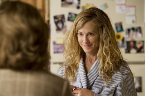 Saving Grace S2 Ep1 - Grace's Mom Visits Her at Home
