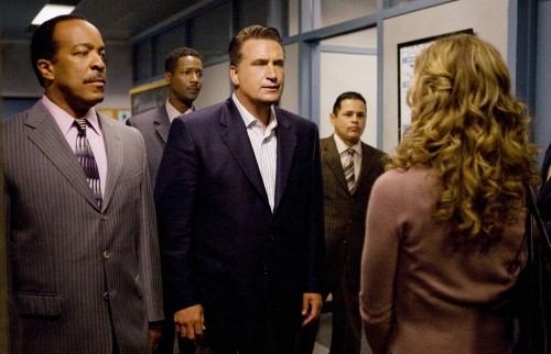 Gossett, Reynolds, Baldwin, Cruz & Sedgwick in The Closer S.4 Ep.3 - Photo CR: Karen Neal